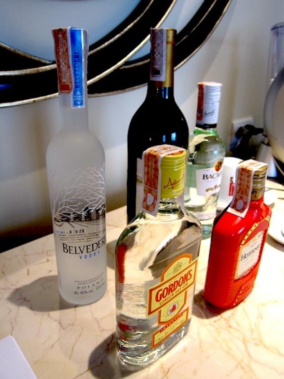 Margaux Salcedo margauxlicious Raffles Suite bar