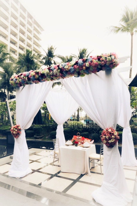 Gorgeous canopy set up for Valentine's Day beside Manila Bay at Sofitel Manila