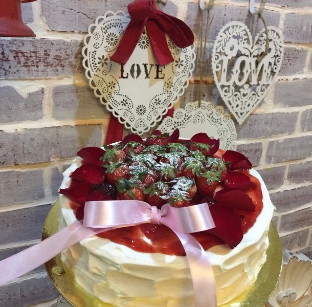 Karen's Kitchen Valentine's Day cakes