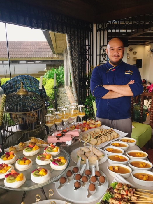 Chef Wilson Cariaga of Tagaytay Highlands with menu infused with Sekaya teas by Unilab